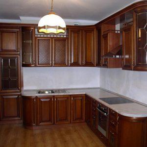 Кухни с деревянными фасадами Адалит