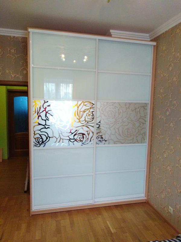Двухдверный шкаф-купе с комбинированными дверьми из стекла - Мебельная фабрика Адалит