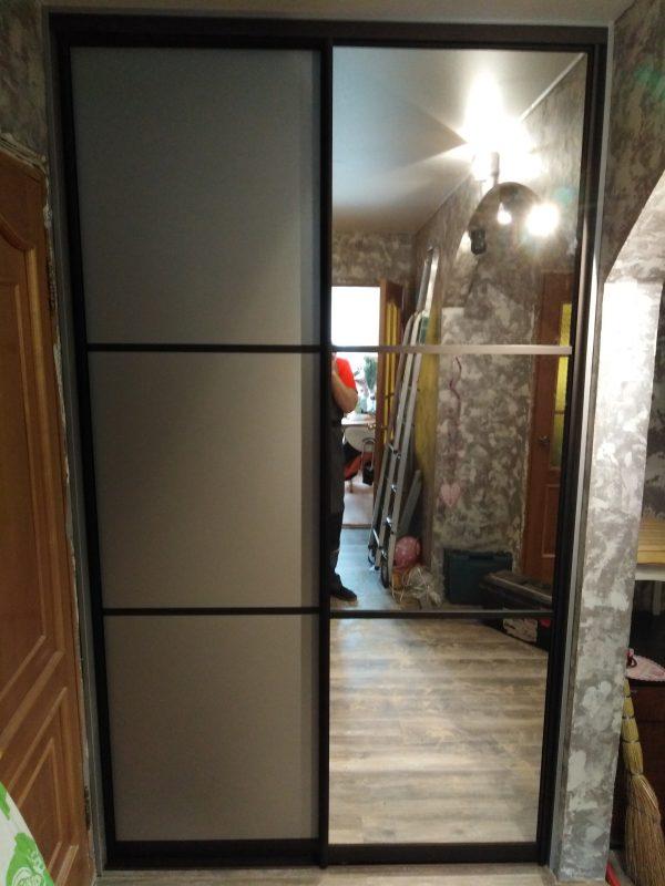 Вместительный шкаф-купе для просторной комнаты