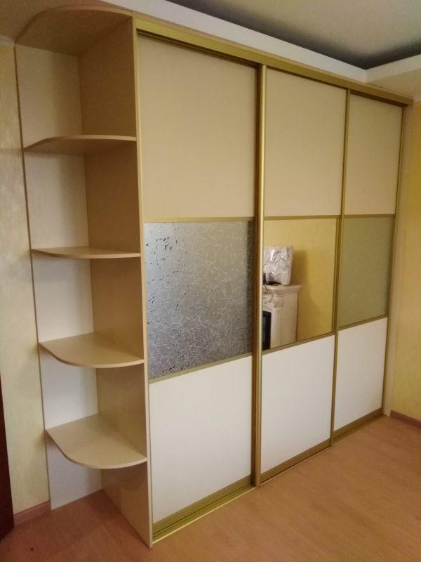 Шкаф купе – сочетание теплых тонов. Мебельная фабрика Адалит