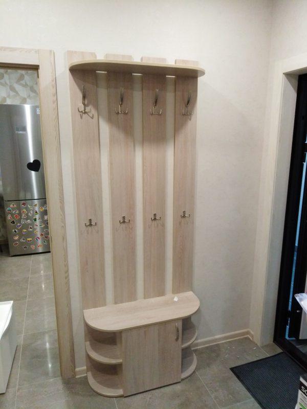 Прихожая с тумбой со скругленными элементами - Мебельная фабрика Аадлит