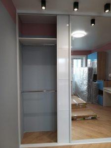 Встроенный шкаф купе в пленке ПВХ - Мебельная фабрика Адалит