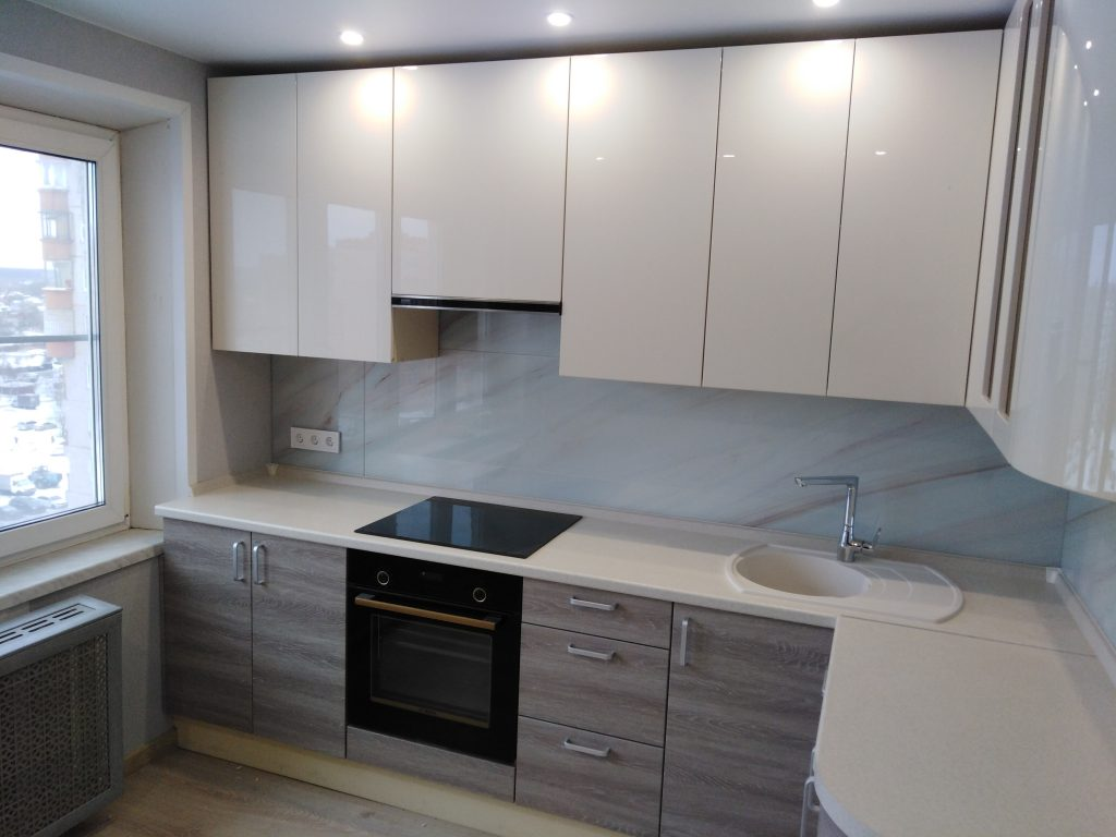 Угловая кухня с эмалевыми фасадами - Мебельная фабрика Адалит