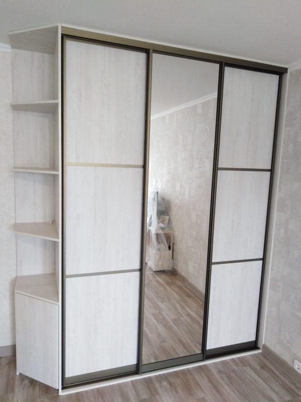 Встроенный шкаф купе со скошенным терминалом - Мебельная фабрика Адалит
